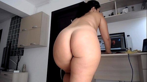 Mulher nua gostosa na webcam se masturbando com pênis de plastico